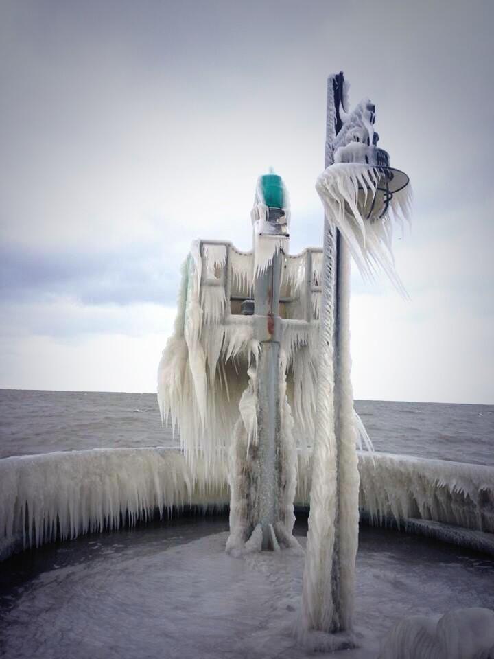 To  give you an idea how cold it was, this photo was taken by a friend by Lake Erie. Basically this all happened overnight.
